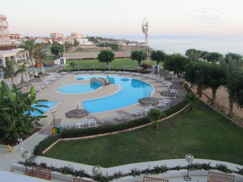 Pernera Beach 3* +